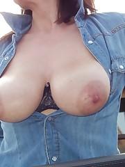 Famosas Desnudas Blog: Flashing Jugs