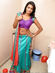 Actress Navel show Photos Actress Saree..