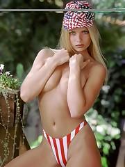 Jaime Pressly - Topless - Celebrity..