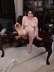 Sadie Jones porn gallery Short haired..