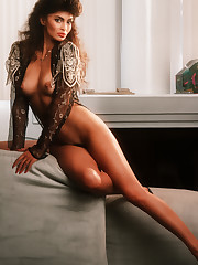 Classic hotness - nude Rebecca Ferratti..