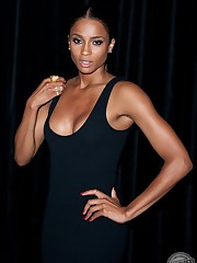 Ciara completely naked at  Celebrities..