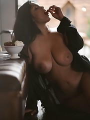 Alex irishlight - Jocelyn Corona by..