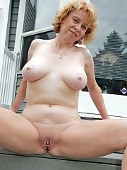 Curvy and busty mature women nude on..