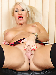 Enhanced tits British Cougar fingering..