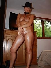These still stunning moms exposing nude..