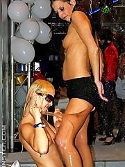 Swinging chicks do bareback anal sex..