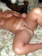 Curvy mature wife posing nude for..