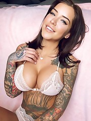 of the week - Laurence Bédard - vPorn..