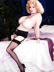 LeeAnne Lovelace: The Fantasy Dolly..