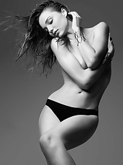 Miranda Kerr Without bra But Covered