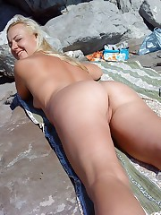 Curvy mature nudists pics from the..
