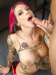 Anna Bell Peaks pulverizes the hiring..