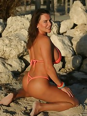 Alicia Dimarco Orange 8 16 Sexy Picture