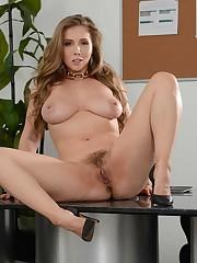 Sexy Brazzers stunner Lena rubs puss