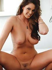 Alison Tyler strips off her sexy..