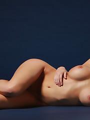 Скачать обои nude, ноги,..