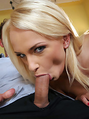 Blonde Ivana double poke in dark corners
