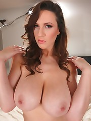 All The Stunners I Love: Boobs For Ever
