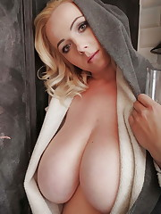 Buxomy Blondes Cleavage - A.gnetis -..