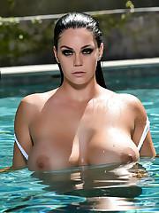 Alison Nude In The Pool : PUBA - Steemit